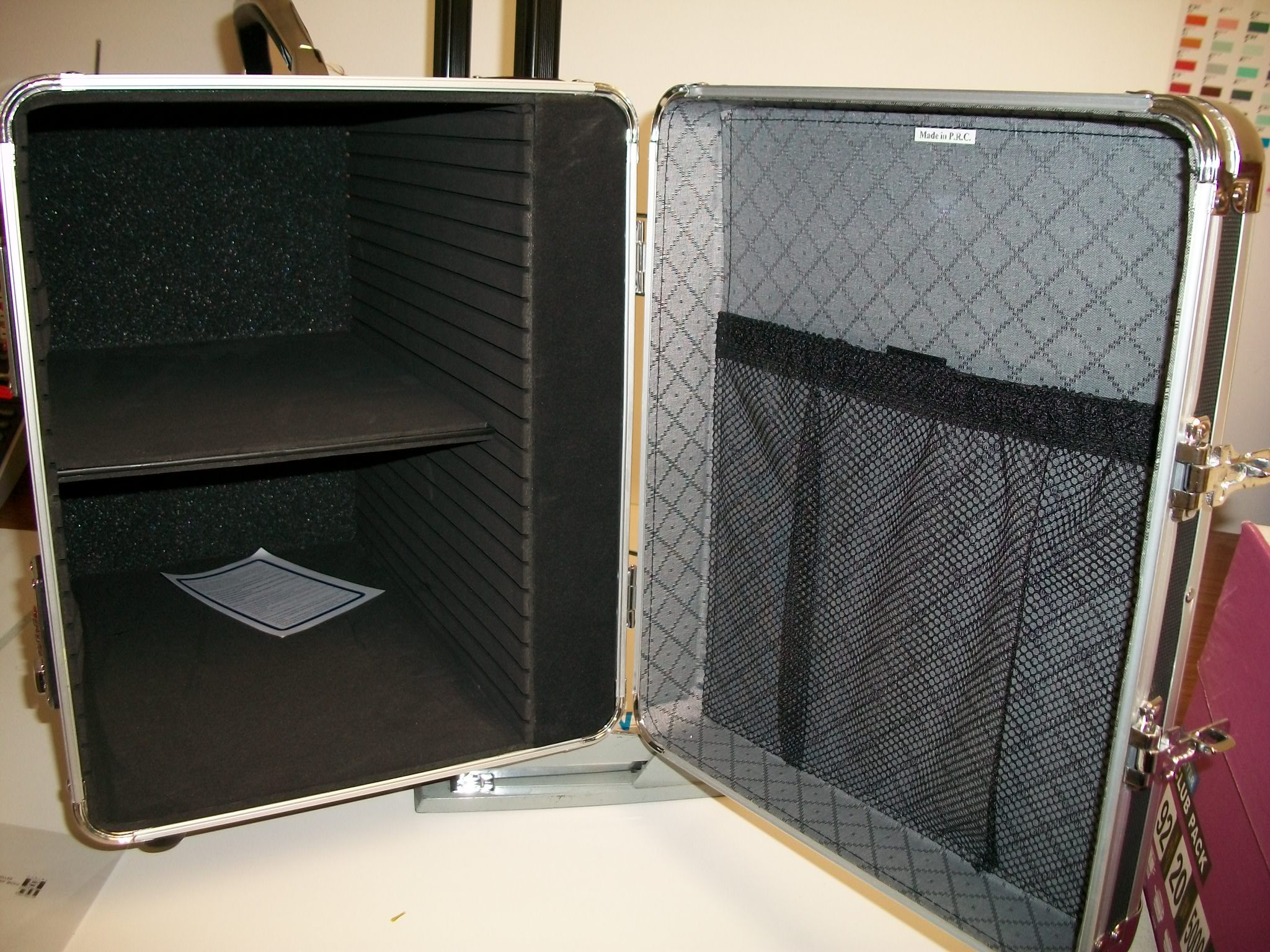 JC861-7B Jewelry Carrying Case on wheels--new item!