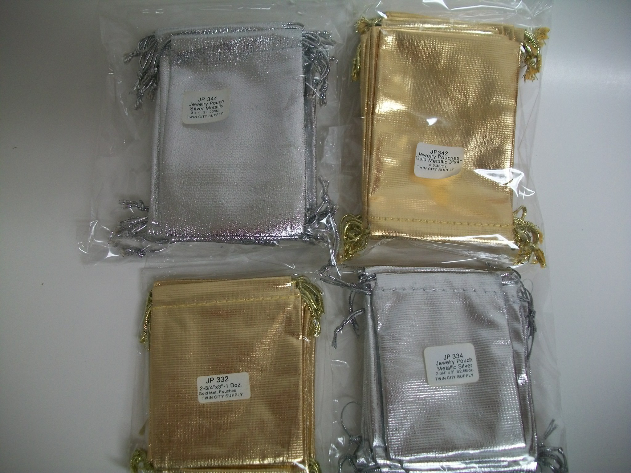 JP334 Jewelry Pouches--Metallic Silver--small--1 dozen package