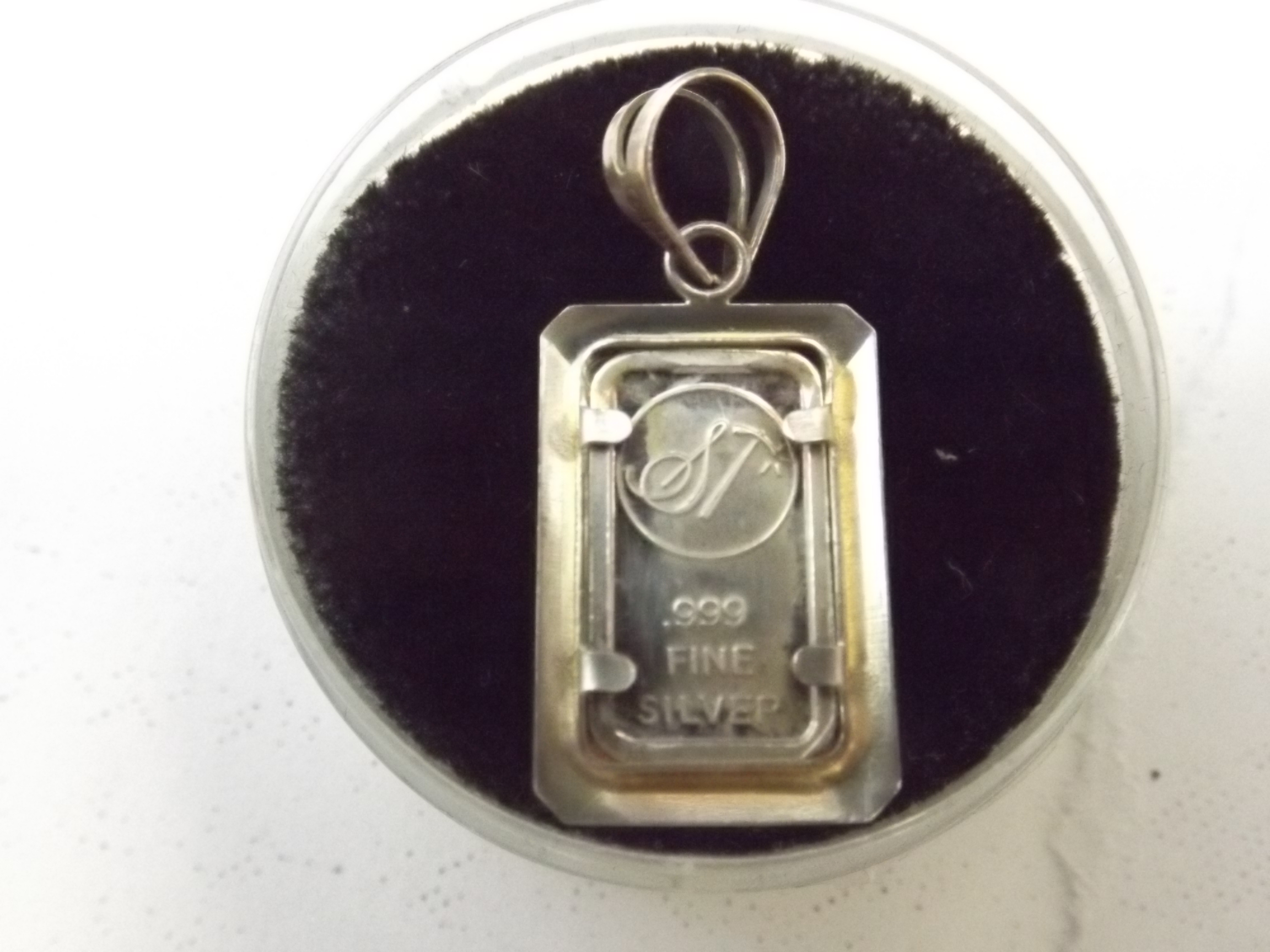 CR-SS.999 American Flag Medallion .999 Fine Silver with Rabbit Bale
