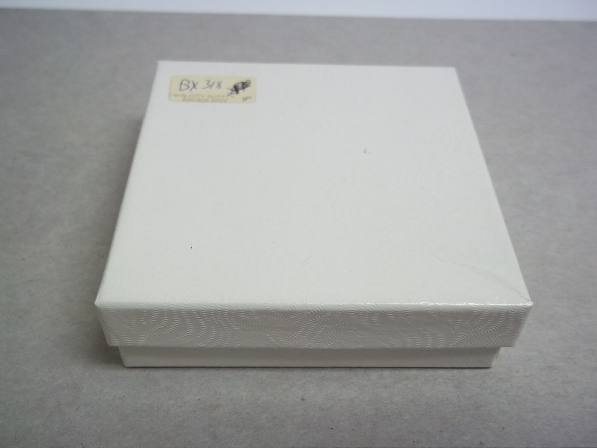 BX318 Cotton Filled White Swirl PIN Nest Boxes