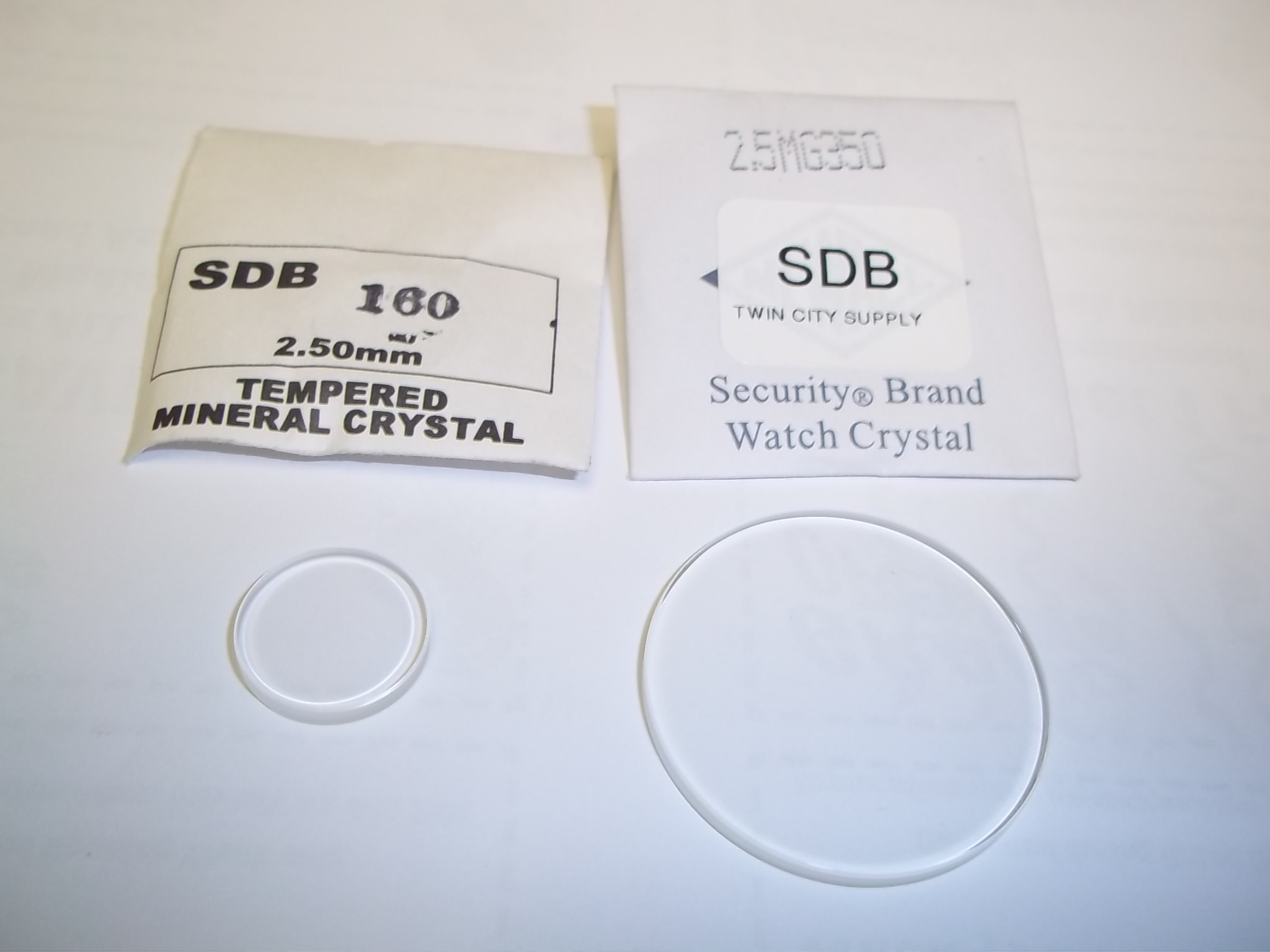 SDB16.0 to SDB35.0 Round Flat Mineral Glass Crystals 2.5mm thick