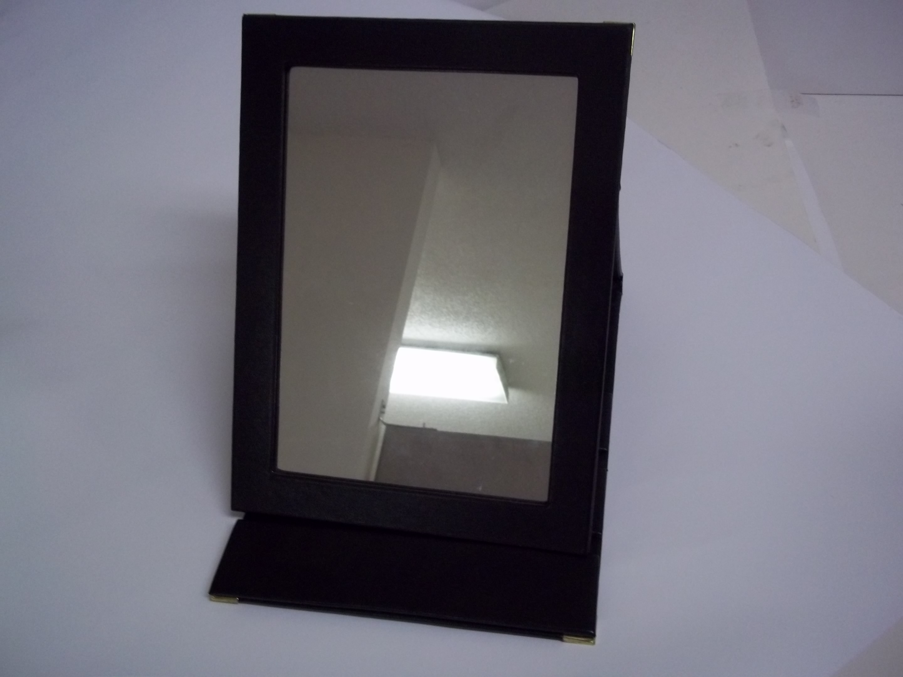 MI1801B Fold Up Mirror for Travel or Showrooms