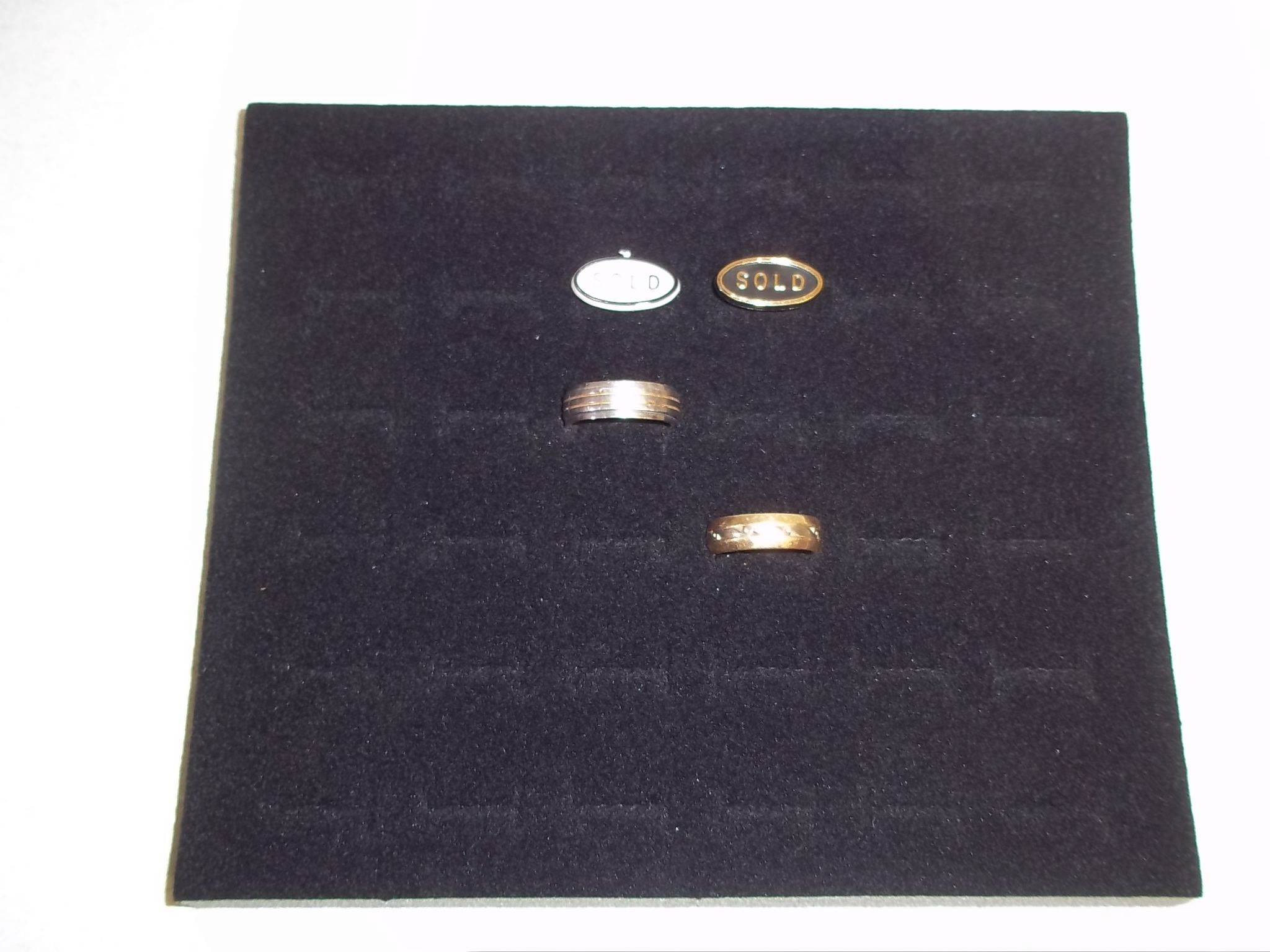 TR634 1/2 Size Black Velvet Foam Ring Display Insert-