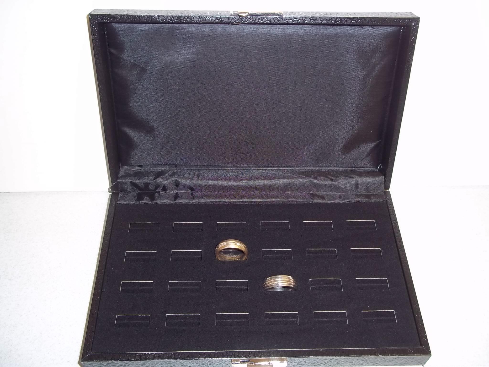 RC601 Ring Display Case--24 Slot