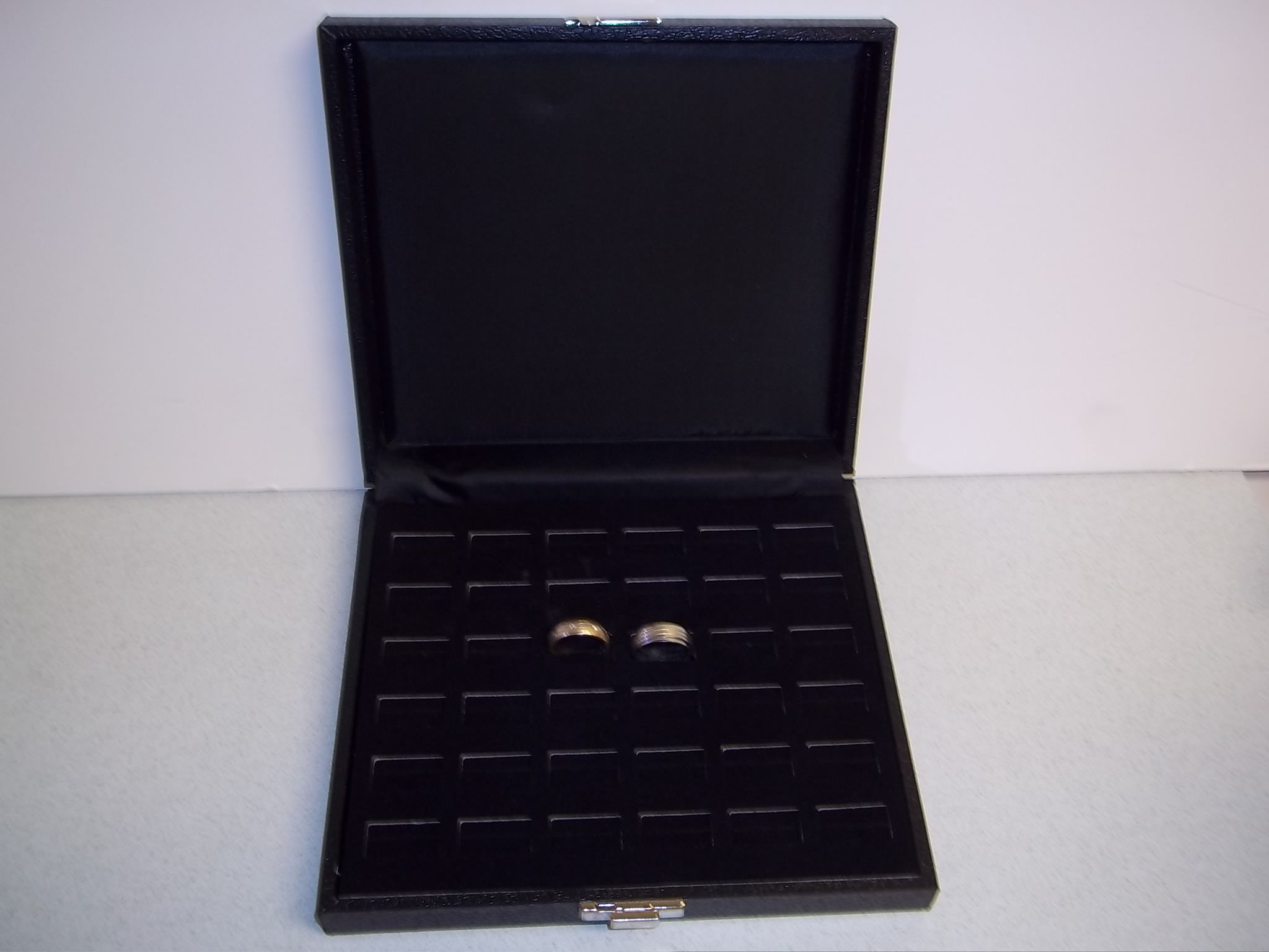 RC602 Ring Display Case--36 Slot