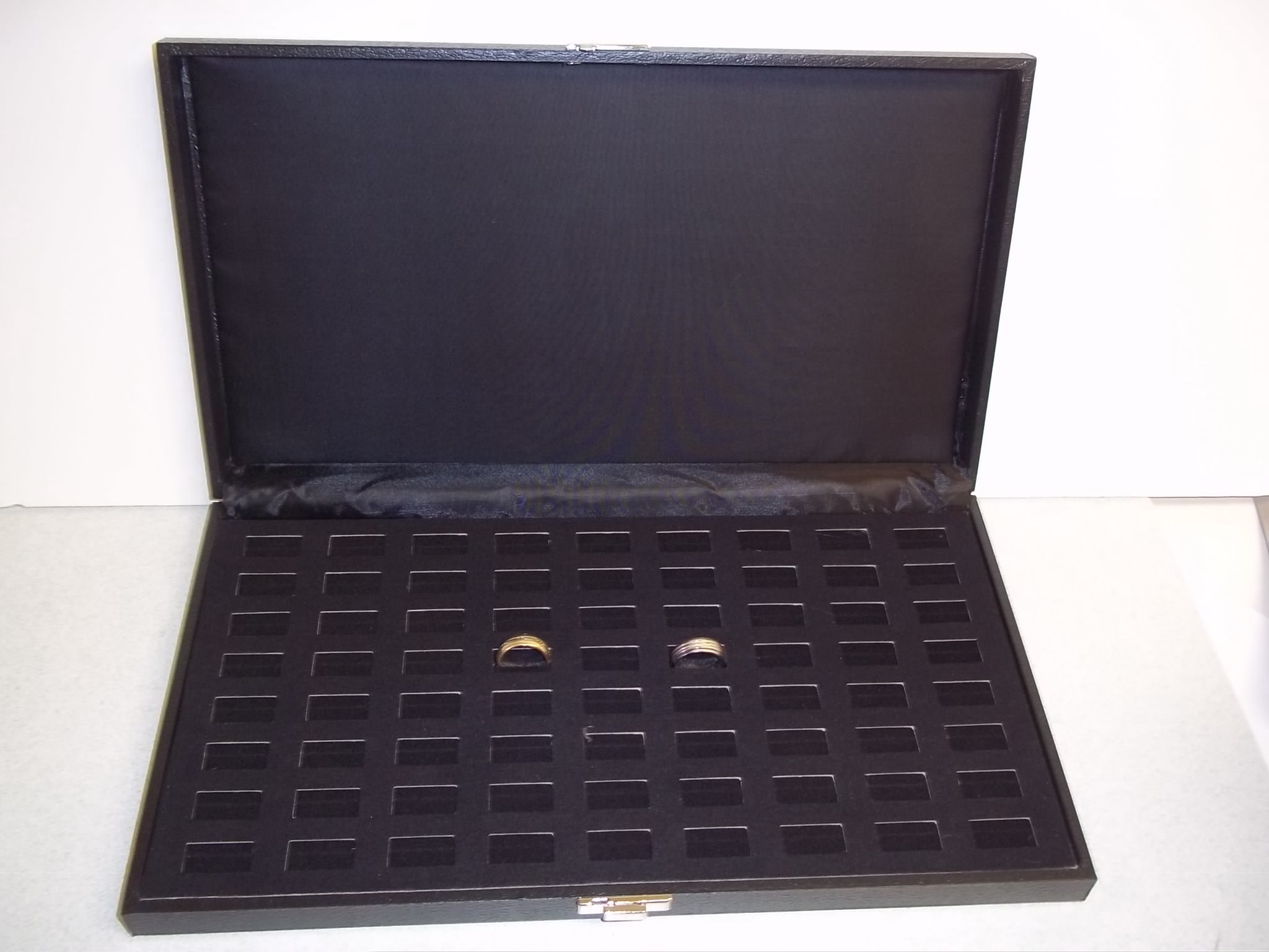 RC603 Ring Display Case--72 Slot
