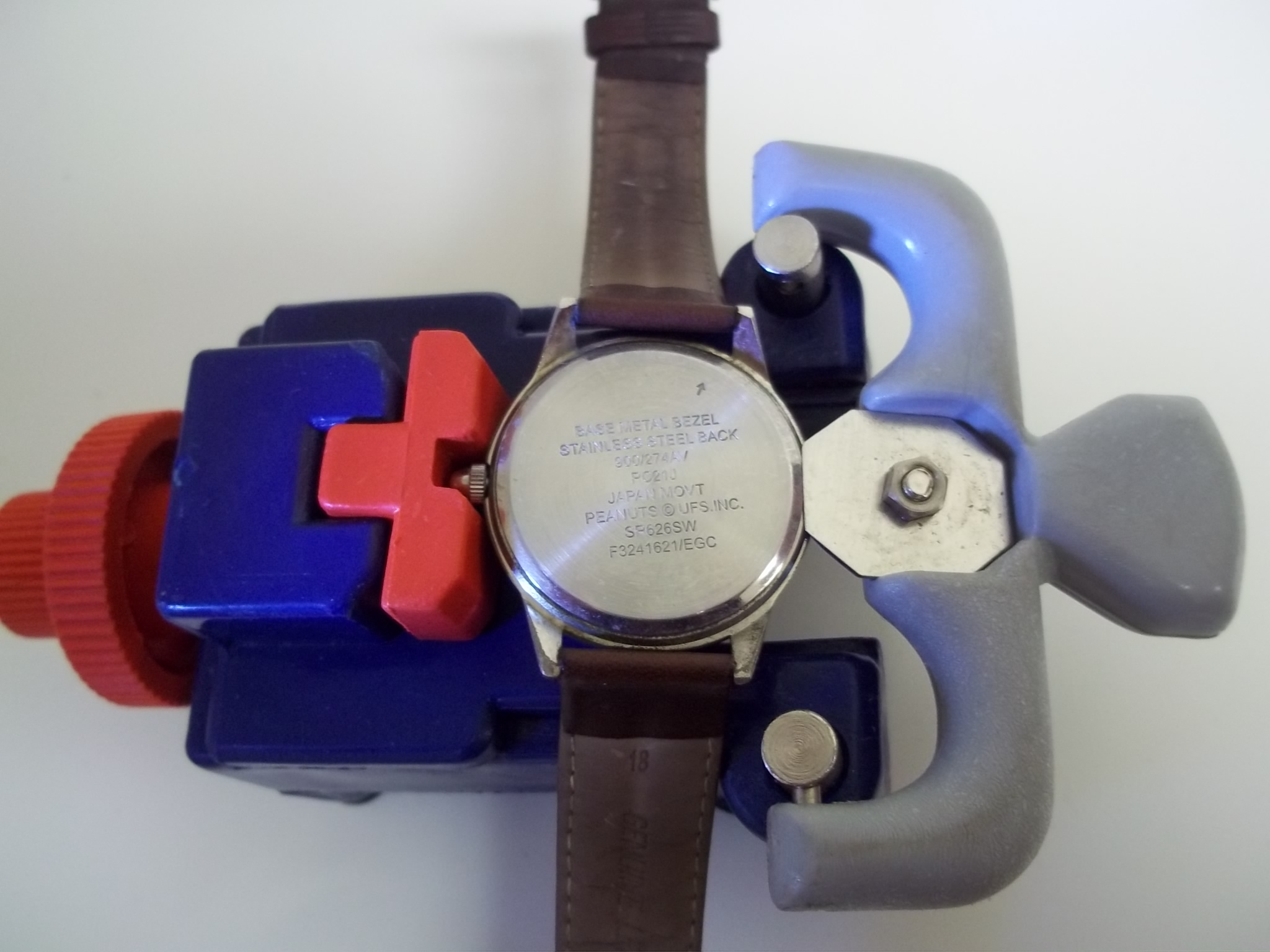 CO300 Watch Case Opener