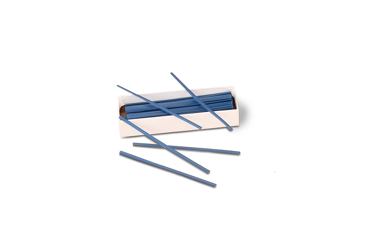 CA650/8 Round Wax Wires, Blue, Gauge 8, Grobet # 21.562