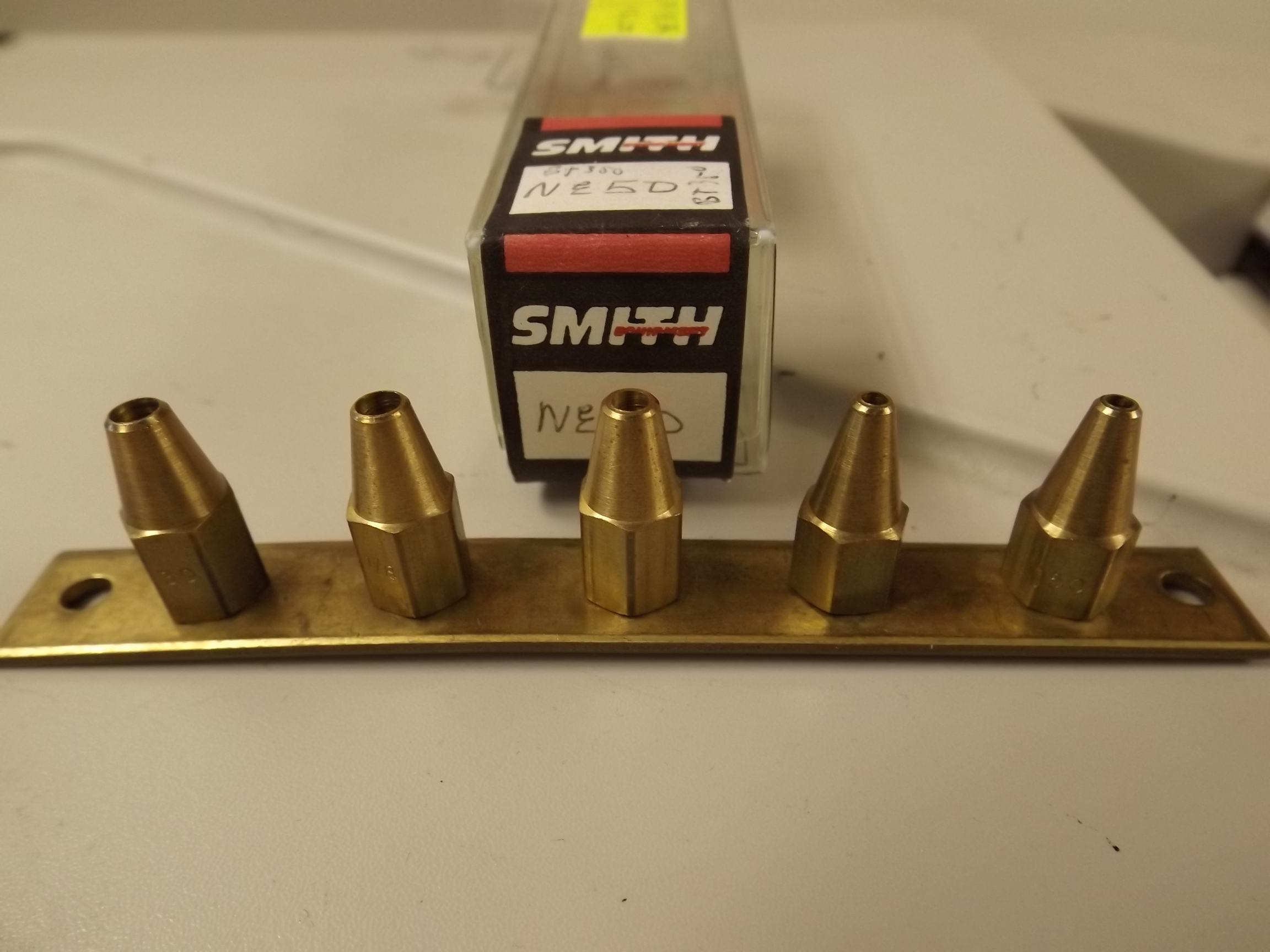 NE50 Smith Little Torch Tips- set of 5 on holder- -Closeout!