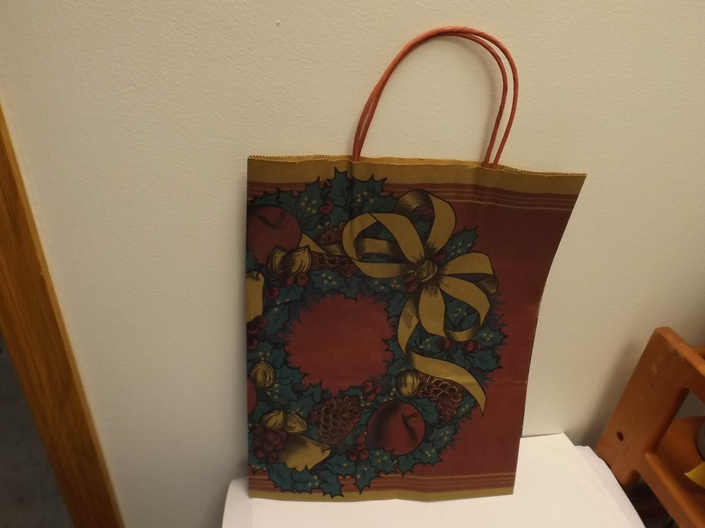"GB610 ""Festive Wreath"" Gift Bags- Pkg of 50- 12 1/2"" x 15 1/2"" x 6"" - Limited Supply"