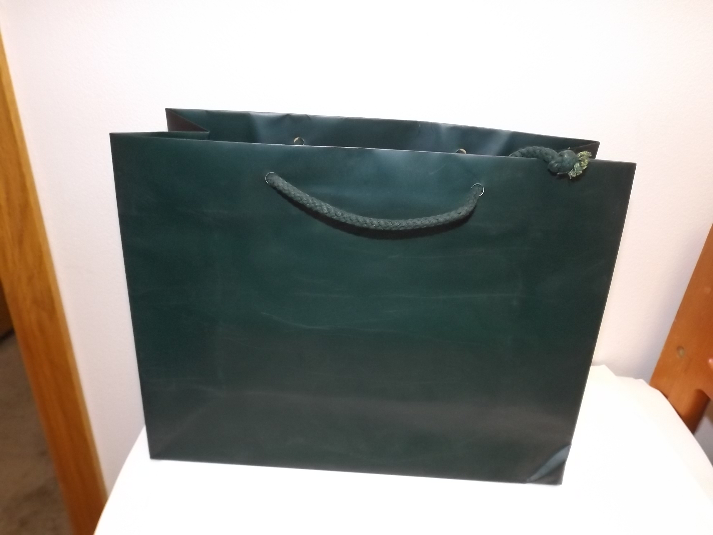 "GT522 Hunter Green Glossy Gift Bags- Pkg of 25- 13"" x 5"" x 10"" -Last One Left!"